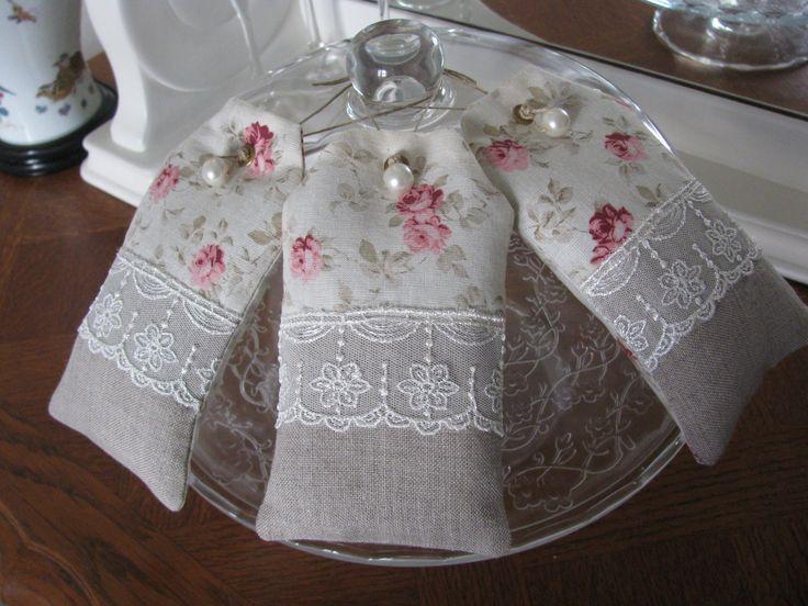 les 153 meilleures images du tableau sachets de lavande sur pinterest sachets de lavande. Black Bedroom Furniture Sets. Home Design Ideas
