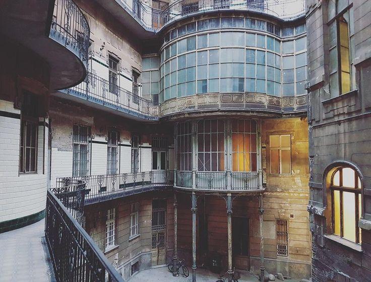 Az Adria Tengerhajózási Társaság egykori palotája a Szabadság téren
