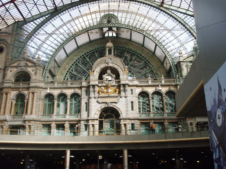 BELGIUM - ANTWERP central station