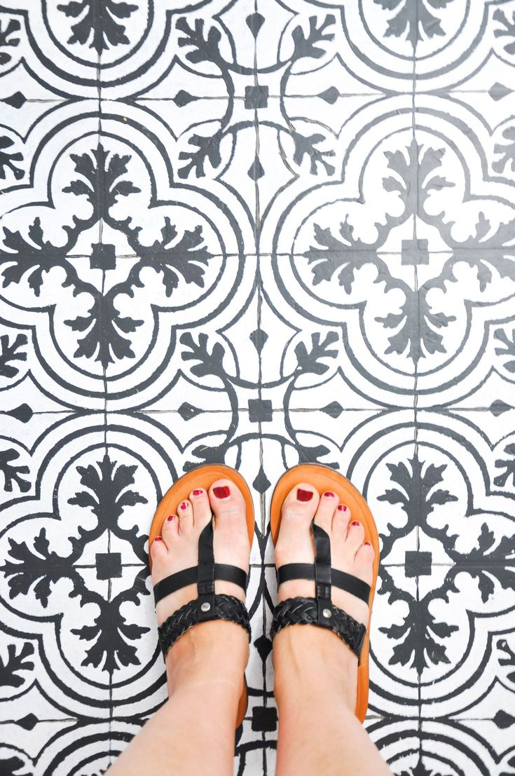 Best 25 painted vinyl floors ideas on pinterest cheap vinyl wow tolle sache zaubere dir ganz neue kacheln oder fliesen mit dieser anleitung l how to paint vinyl floors to look like the trendy cement tile doublecrazyfo Choice Image