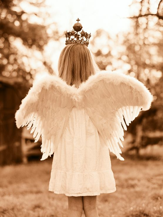little angelsChildren Plays, Crowns, Angels Baby, Princesses, Angels Wings, Inner Child, Inspiration Quotes, Flower Girls, Guardian Angels