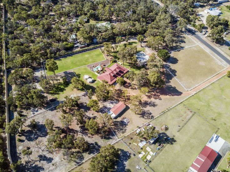 This amazing lifestyle property has so much to offer!  #WesternAustralia #StakeHill #ForSale #HorseProperty #RealEstate