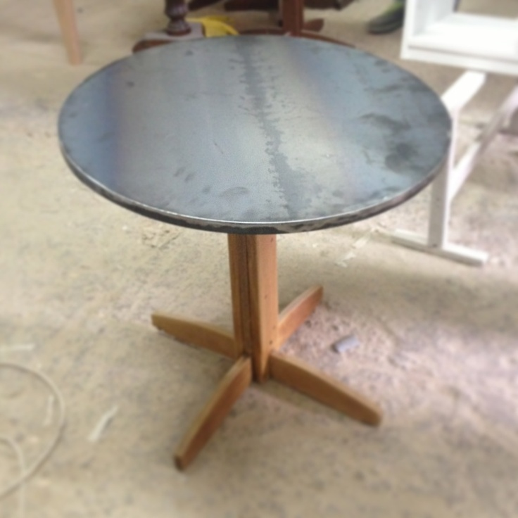 Lt project table - Wood and metal .