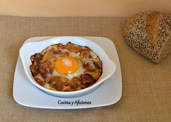 huevos-al-platcocinao-con-setas-de-cardo