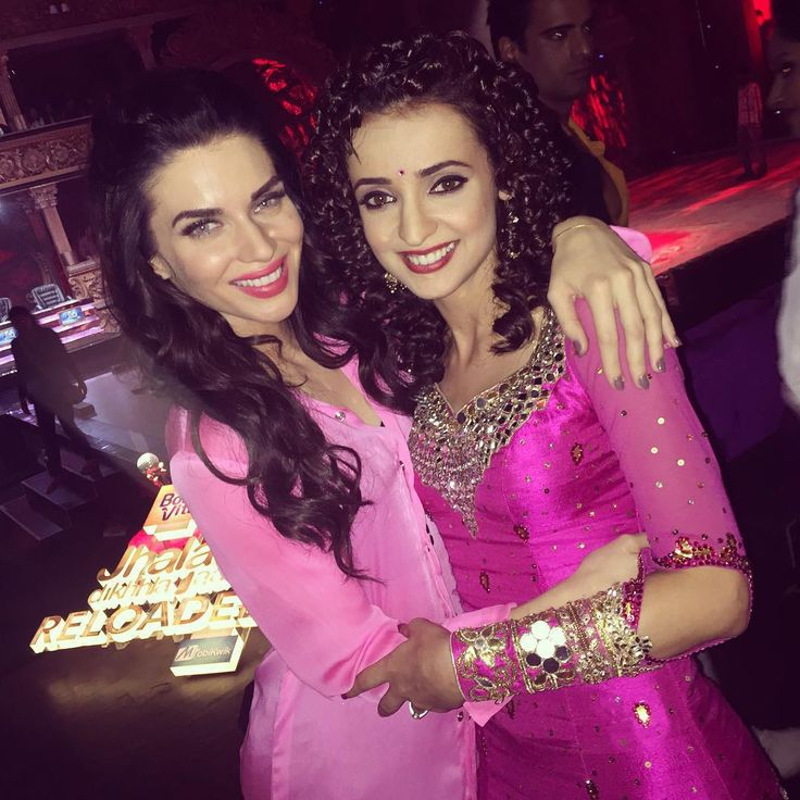 Me and my fav! The girl who gives me strength each week to carry on and believes in me the most #SanayaIrani @colorstv @jhalakdikhhlajaaseason8 #JhalakReloaded #jhalaks8 #jdjs8