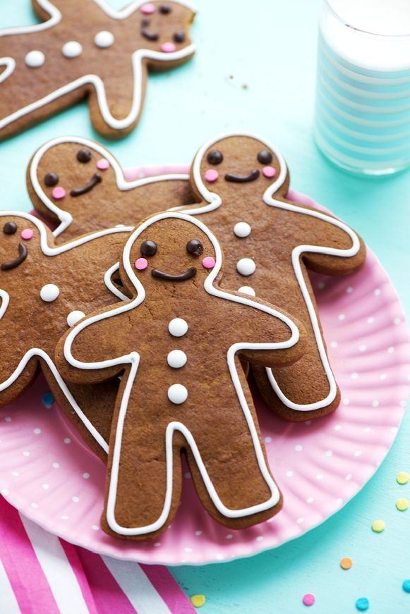 Tis the season for much joy, family, and holiday shopping, but also that of butter and sugar, that's for certain. Although for some of us that sugar-filled season is all year round. But since ginge...