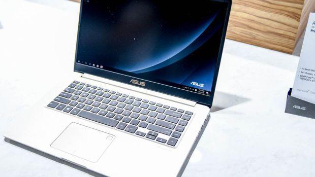 Harga Laptop Asus Vivobook Series memang cukup menarik sehingga tidak aneh jika jajaran pernagkat ini merupakan salah satu perangkat yang cukup banyak diminati oleh para pengguna. Dan baru – baru ini perusahaan asal Taiwan ini baru saja menghadirkan anggota terbaru dari Keluarga Asus Vivobook. Perangkat tersebut adalah Asus Vivobook S510 versi terbaru, yang hadir dengan desain yang lebih stylish dan kemampuan yang lebih powerful. http://kliknklik.com/11-laptop-asus