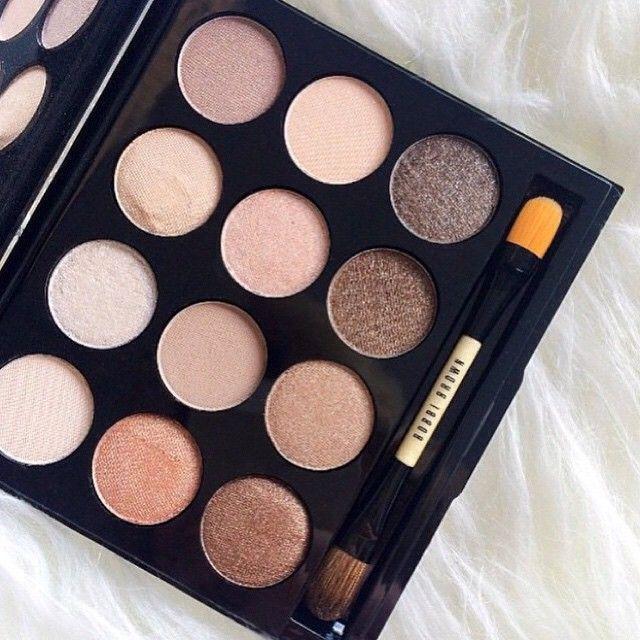 Make those eyes pop! Bobbi Brown Shimmering Sands eye pallette featuring 12…