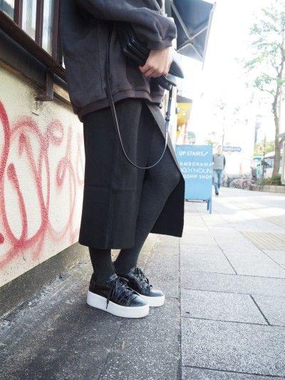スリットタイトスカート ¥4900+TAX