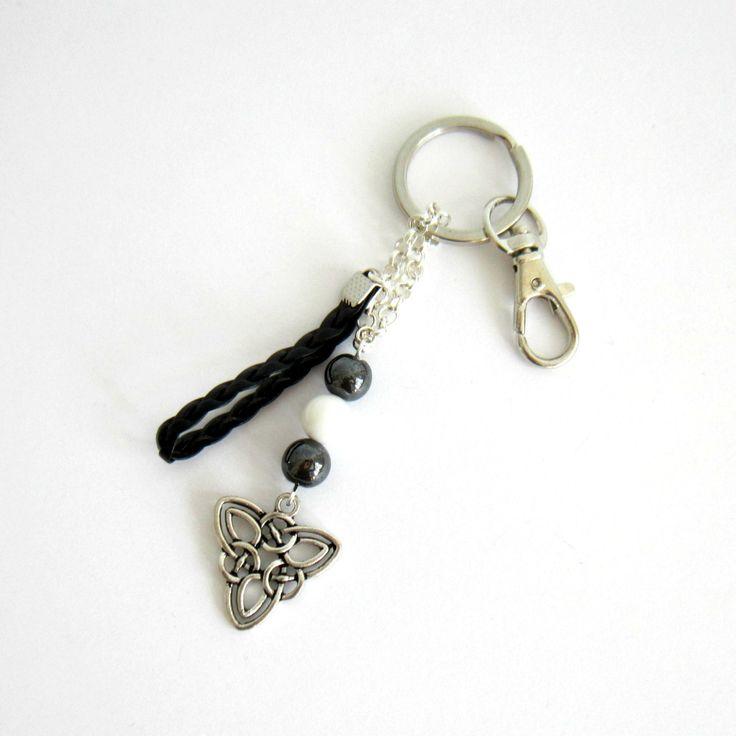 """Porte-clé celtique """"bretagne""""argenté, noir et blanc, simili cuir, fête des pères, noeud celte, perles naturelles : Autres mode homme par color-life-bijoux"""