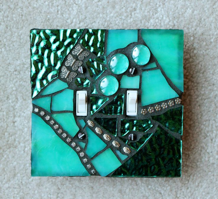 Mosaic switchplate - simple and so pretty.
