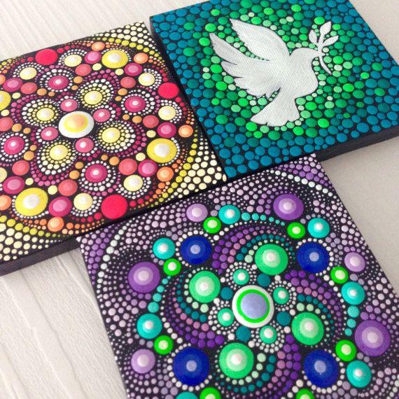 Originele kleine schilderij op doek 6cm, aboriginalkunst, kleine schilderij, acryl verf op doek.  Mijn kunst zal zorgvuldig worden verpakt zodat schilderij bereikt u in perfecte staat en met een Priority Air Mail gestuurd.