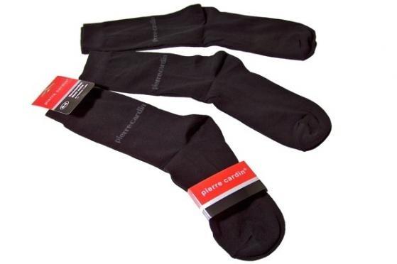 SPAR 60% på 15 par (5x3) lækre herresokker fra Pierre Cardin af ekstra god kvalitet. Disse elegante sorte herresokker passer perfekt til både jeans og jakkesæt og du kan vælge mellem 2 størrelser! Forkæl dig selv eller en du holder af med 15 par (5x3) sokker for kun 199,- inkl. levering! Kan købes her: http://dealhunter.dk/produkt/faa-15-par-sorte-herresokker-fra-pierre-cardin-for-kun-199-inkl-levering.html