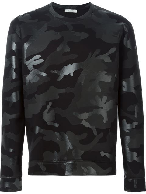 Shop Valentino 'Rockstud' camouflage sweatshirt in Browns from the world's best independent boutiques at farfetch.com. Shop 300 boutiques at one address.