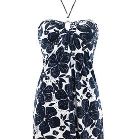 TOMEL - On adore cette robe d'été sexy qui peut se porter aussi bien sur la plage que dans la rue. http://www.tomelapp.com/