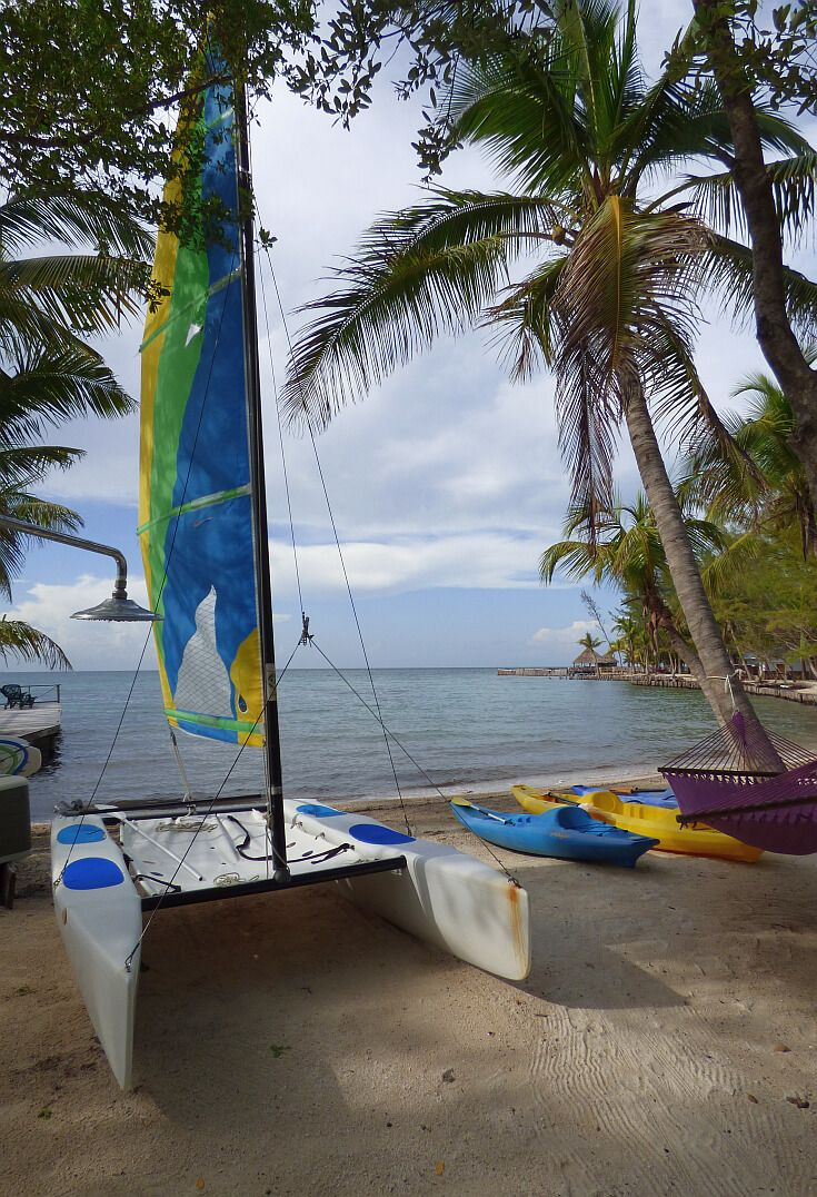 Kayaking and sailing in Belize - From Thatch Caye you can paddle or sail to other small islands and a great snorkeling reef.