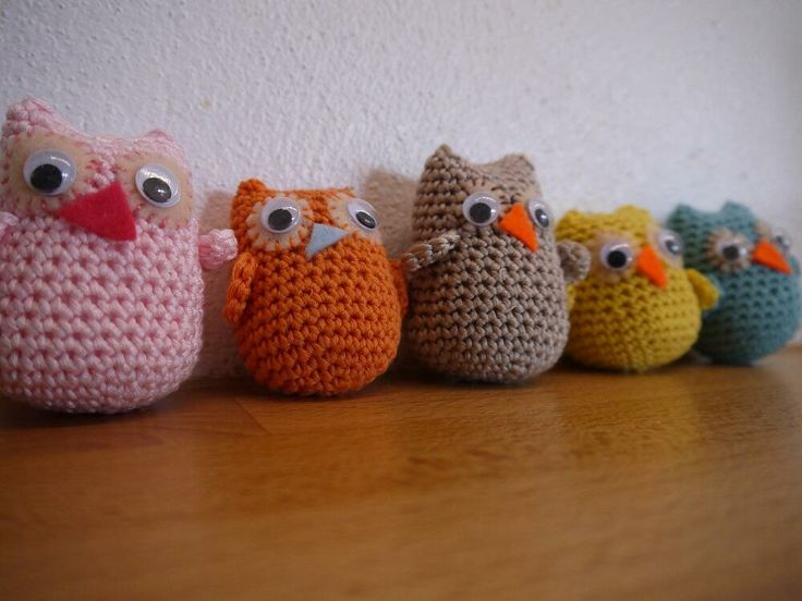 Oh don't you just love them!! MEGA cute owls by annessa crafts ( #annessacrafts on facebook and twitter) large: £6.00 small: £5.00 check out www.annessacrafts.moonfruit.com for more cute makes!!!