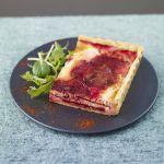 Prova la gustosa barbabietola abbinata al salmone con la ricetta di questa quiche di Sale&Pepe.
