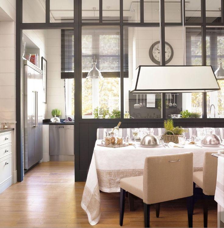 Una casa piccola, una camera meno luminosa di come vorresti, una porta di legno che blocca l'accesso al salotto…. Tutti questi piccoli inconvenienti possono essere spazzati via da un materiale che mi piace moltissimo: il vetro. Porte...