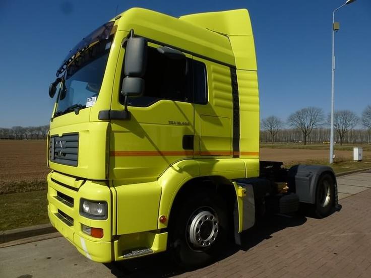 For sale: Used and second hand - Tractor unit M.A.N. 18.400