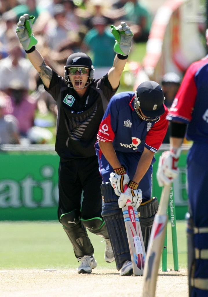 England Cricket Tour of New Zealand - Howzat! The England cricket team, and its 'Barmy Army' supporters, will tour New Zealand in 2013, marking their first visit to kiwi shores for 5 years. #newzealand