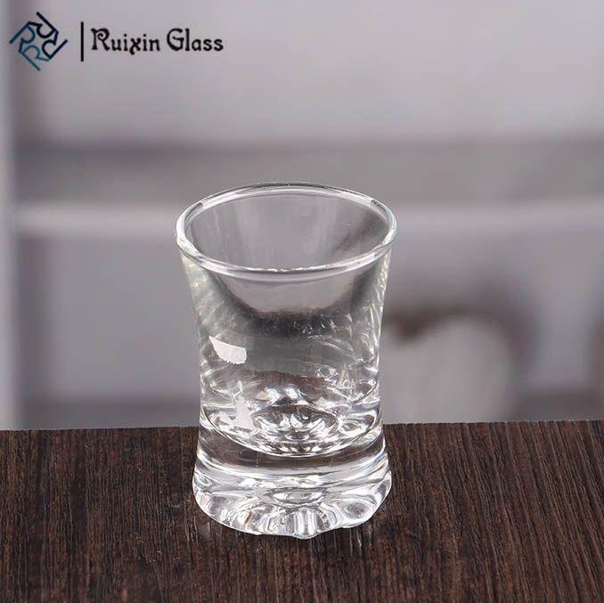 Custom shot glasses bulk 1.5 oz wine glass shot glass supplier,buy the best 1.5 oz shot glass at R uixinGlass.