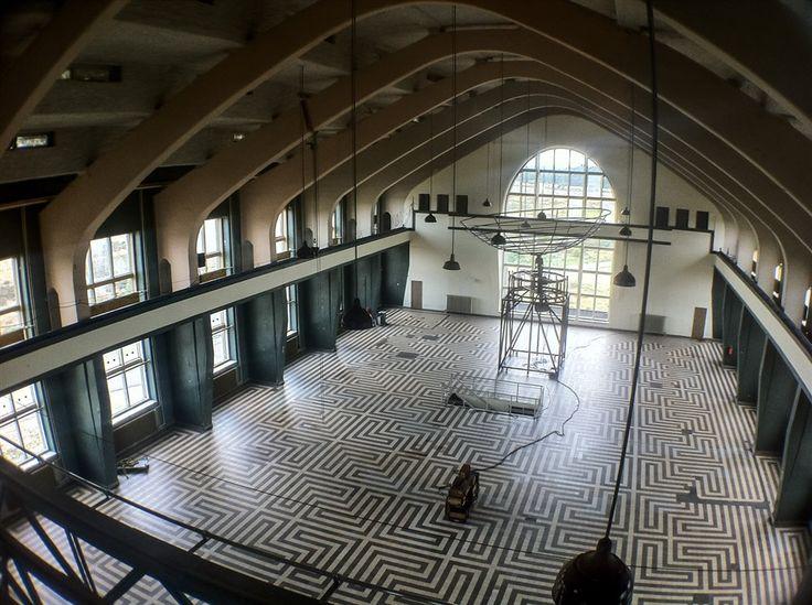 radio Kootwijk | amsterdamse school labyrinthvloer