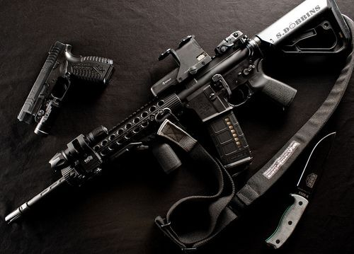 AR15 with Springfield XDm 9mm and Esee 6