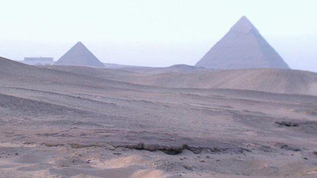 Egypt revolution brings golden age for tomb raiders 2013 - BBC
