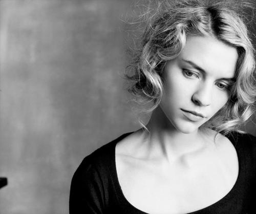 Claire Danes. Here she reminds me of when she was in Romeo and Juliet with Leo.