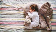 Estas son las razones por las que tu bebé no duerme durante toda la noche