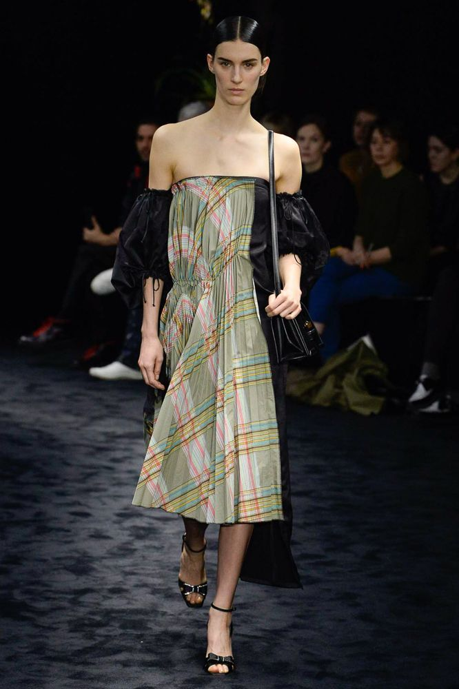 Loewe Autumn/Winter 2017 Ready to Wear Collection