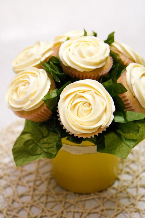Create a cupcake bouquet - great idea for Mother's Day!: Cupcake Bouquets, Mothers, Cupcake Bouquet Tutorial, Cupcake Centerpiece Ideas, Gift Ideas, Cupcake Bouquet Ideas, Cupcake Flower Bouquets, Lemon Cupcakes, Dessert