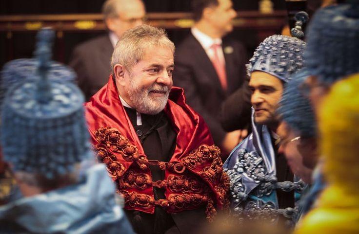 """Reacções: """"As universidades brasileiras reconhecem a Universidade de Coimbra com a sua alma mater"""" - PÚBLICO"""