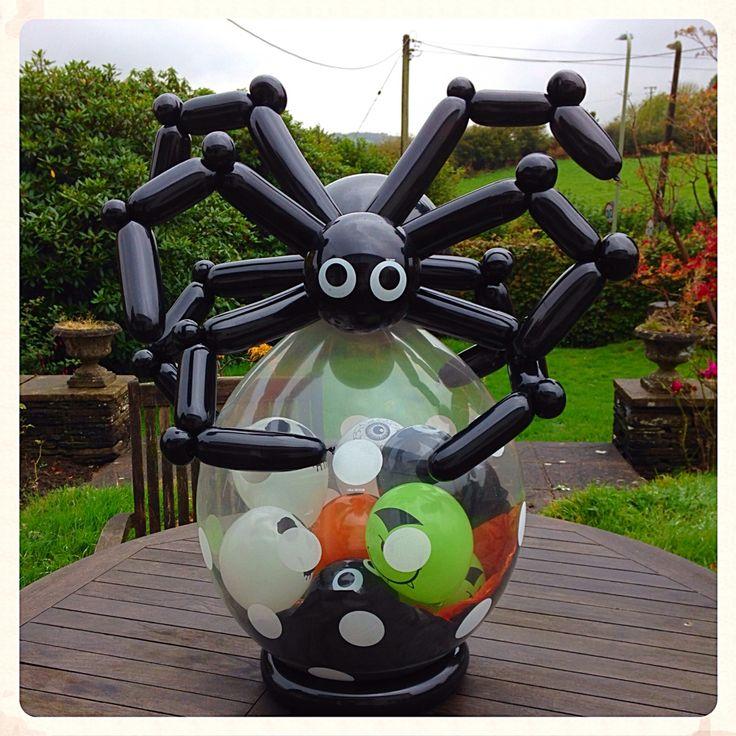 Halloween spider www.balloonblooms.co.uk