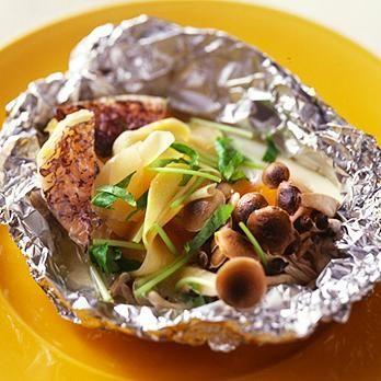 甘酢しょうがと白身魚のホイル焼き | 村田裕子さんのホイル焼きの料理レシピ | プロの簡単料理レシピはレタスクラブニュース