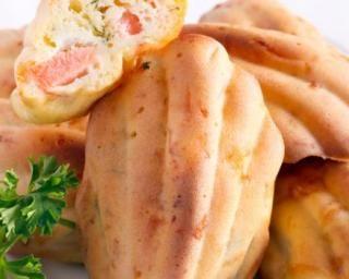 Madeleines aux chutes de saumon fumé et gruyère râpé allégé : http://www.fourchette-et-bikini.fr/recettes/recettes-minceur/madeleines-aux-chutes-de-saumon-fume-et-gruyere-rape-allege.html