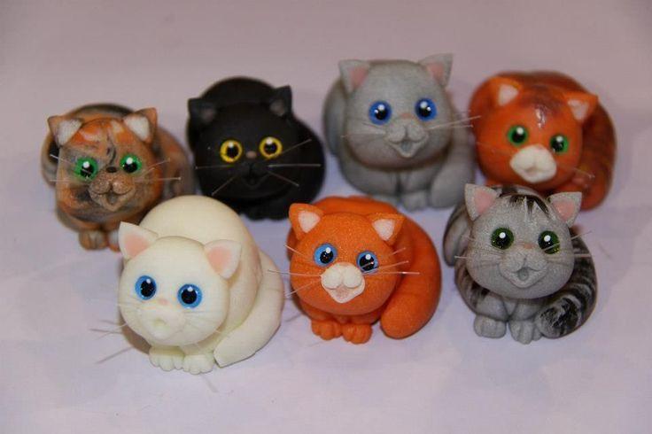 gatinhos em biscuit