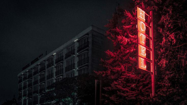 Impresionantes fotografías de los suburbios de Paris de noche.   OLDSKULL