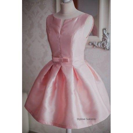 Elegancka sukienka rozkloszowana z kokardką pastelowy róż