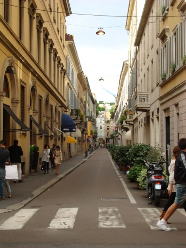 another shot of the Milan shopping streets of the Golden Triangle