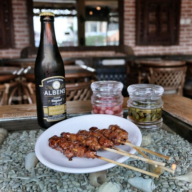 #Bali #DewiSri > A delicious & worth to try pairing Pork Satay ala @WarungPopoBali & @AlbensCider