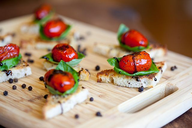 Tomatoes and mint canapes
