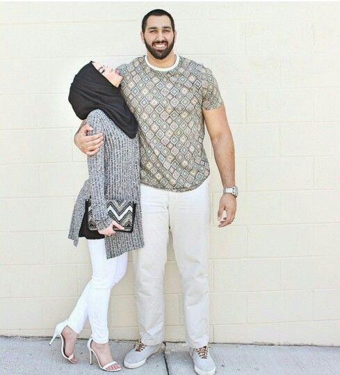 They are one of the cutest couple !! Ma Sha Allah     http://www.dawntravels.com/hajj.htm