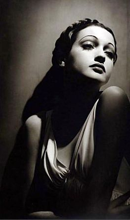 Dorothy Lamour by Hurrell MAISON Great lighting, great cheekbones, great pout!