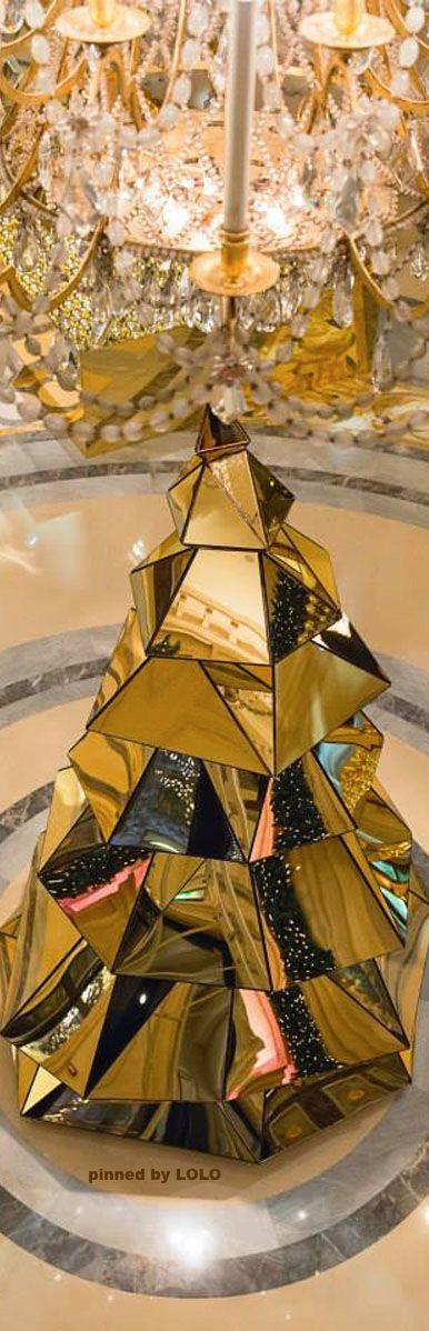 Christmas Decor at the Four Season Hotel George V...Paris | LOLO❤︎