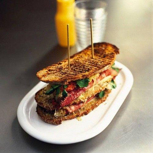 Exquisitos paninos gourmet para deleitar a tus invitadas - Foto Jamie Oliver