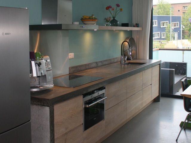 Whitewash Koak keuken Ikea kasten met eiken houten fronten en robuust betonnen blad4