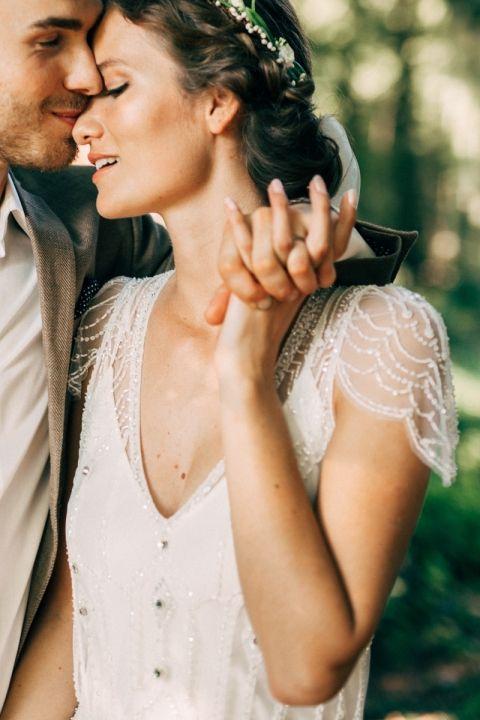 http://thelane.com/style-guide/real-weddings/netherlands-summer-farm-wedding