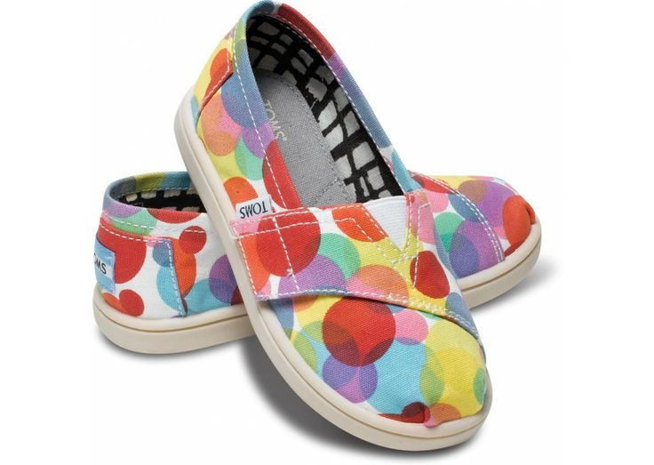 Red Clea Tiny TOMS Vegan Classics hero $27 @Hailey Anderson and @Nicole Boatright   How cute are these?